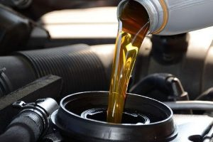 Hentikan Penggunaan Oli Oplosan Pada Mobil, Bahaya !