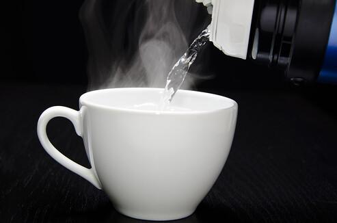 Inilah Khasiat Dari Minum Air Hangat Yang Wajib Kamu Tahu!